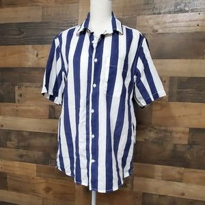 L.O.G.G. navy blue and white button linen top Med